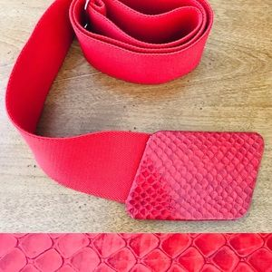 VINTAGE 80s Red SNAKESKIN Leather & Elastic BELT L